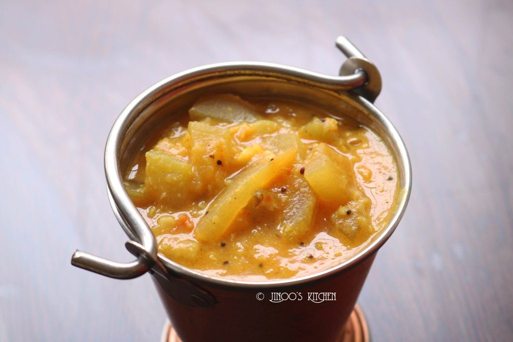 Sorakkai Kootu | Bottlegourd kootu recipe | Lauki and moong dal curry